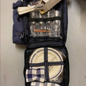 BRAND NEW Deluxe Picnic Backpack